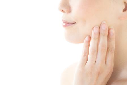 乾燥肌・敏感肌なら特に注意!自分でできる肌の赤みの解消法