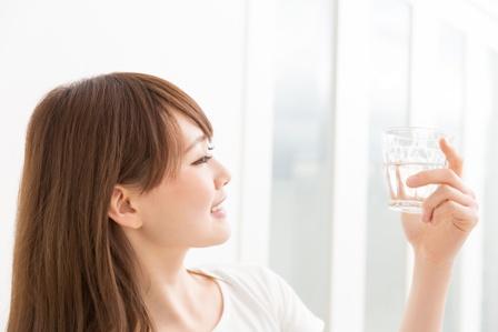 肌の水分量を上げる!女性が知っておきたい秘策ポイント3選
