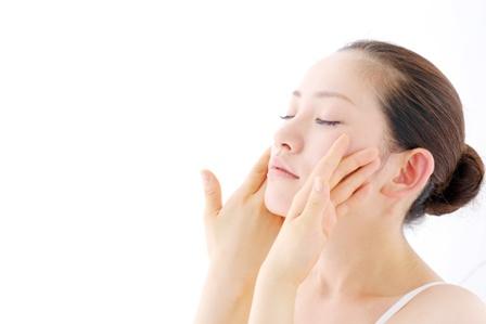 肌保湿にはワセリンが一番!乾燥肌さんにオススメされる3つの理由