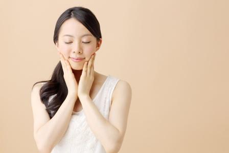 肌に優しい化粧下地とは?商品の選び方と塗り方