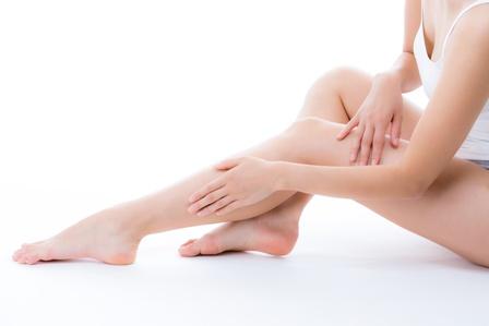 足のザラザラ・ブツブツさようなら!ツルスベ肌になれる3ステップをご紹介